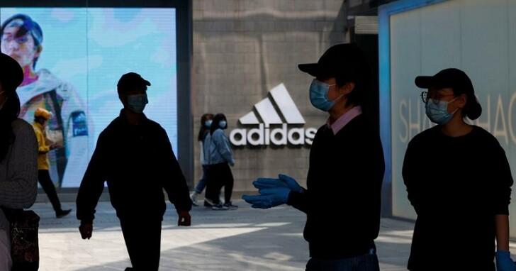 中國官媒開新疆棉地圖砲,點名adidas、Nike、New Balance、BURBERRY全「辱華」