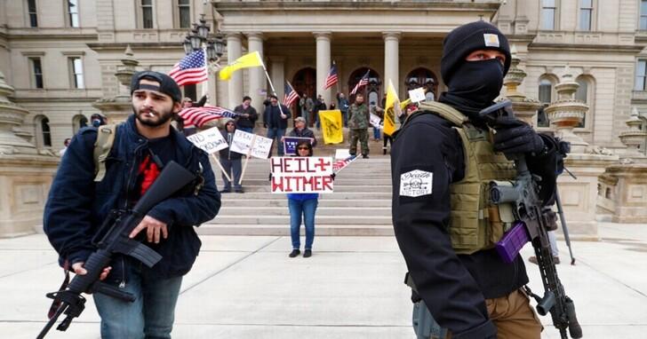 FBI披露,去年試圖綁架密西根州長未果的激進團體,計畫包含炸毀官邸附近橋樑以阻止追兵
