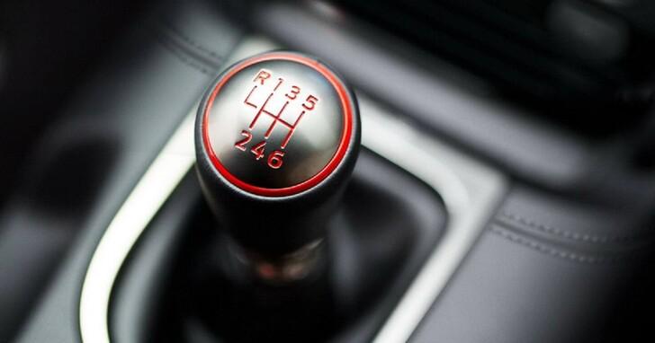 手排變速箱逐漸消失,背後原因居然跟車輛安全科技進步有關係?