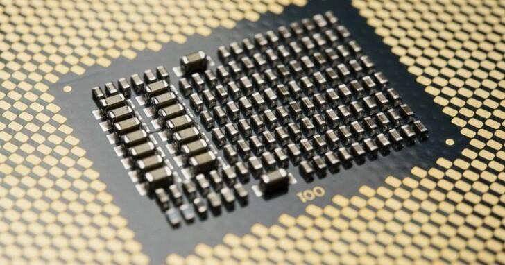 微博大咖狂讚華為技術突破「兩顆14nm晶片疊加效能堪比7nm」,卻被中國網民吐槽無知