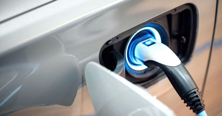 福斯和TOYOTA對於電動車的不同態度,代表傳統車廠對電動車未來的兩種不同答案