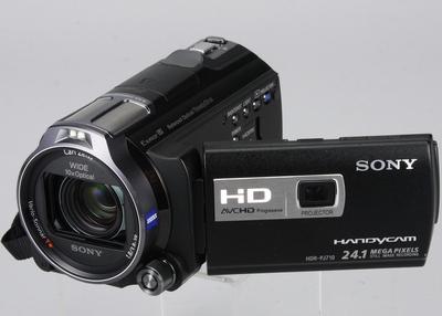 Sony PJ710 投影 DV 搶先玩,全方位防震、100吋投影實測