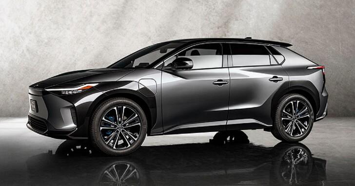 電動車電池壽命問題已解決?Toyota 說未來旗下車款,電池即便用 10 年也還有九成新