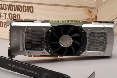 NVIDIA GTX 690 真「開箱」文!要用鐵撬開的新旗艦顯卡