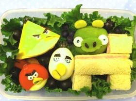 憤怒鳥、海綿寶寶、迪士尼趣味料理便當,看偉大母親的卡通料理!