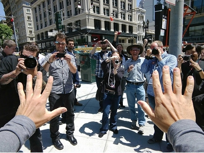 Google 員工帶著 Google 眼鏡趴趴走,更多實拍照片、影片出爐