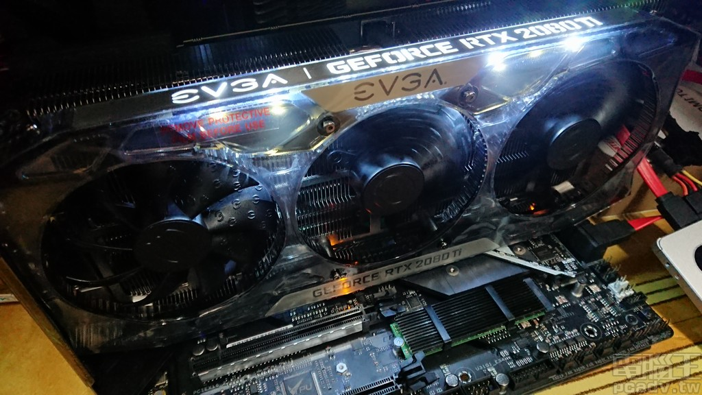 GeForce RTX 2080 Ti FTW3 Ultra Gaming RGB LED 灯光结果表示图