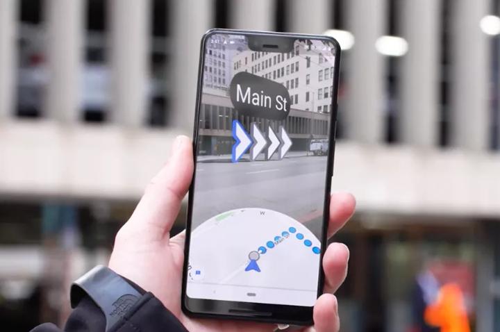 Google 地圖最新「AR 導航」功能實測出爐!結合實地街景、3D箭頭引導,是否真的讓你找路更輕鬆?