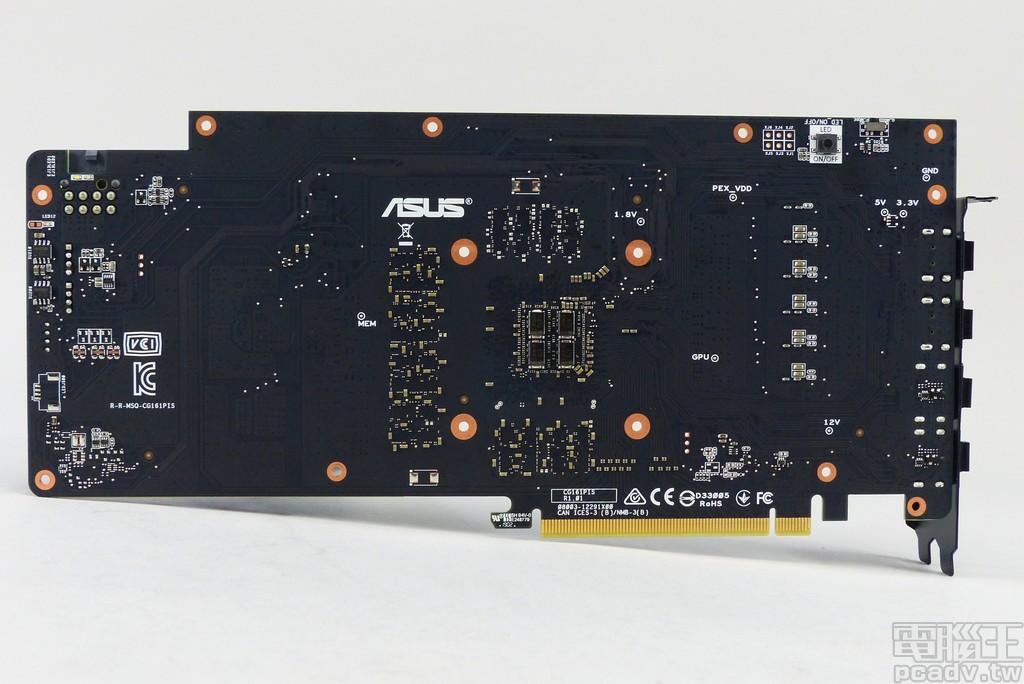 ROG STRIX GeForce GTX 1660 Ti 電路板反面,主要由電容、電阻等被動零件所組成