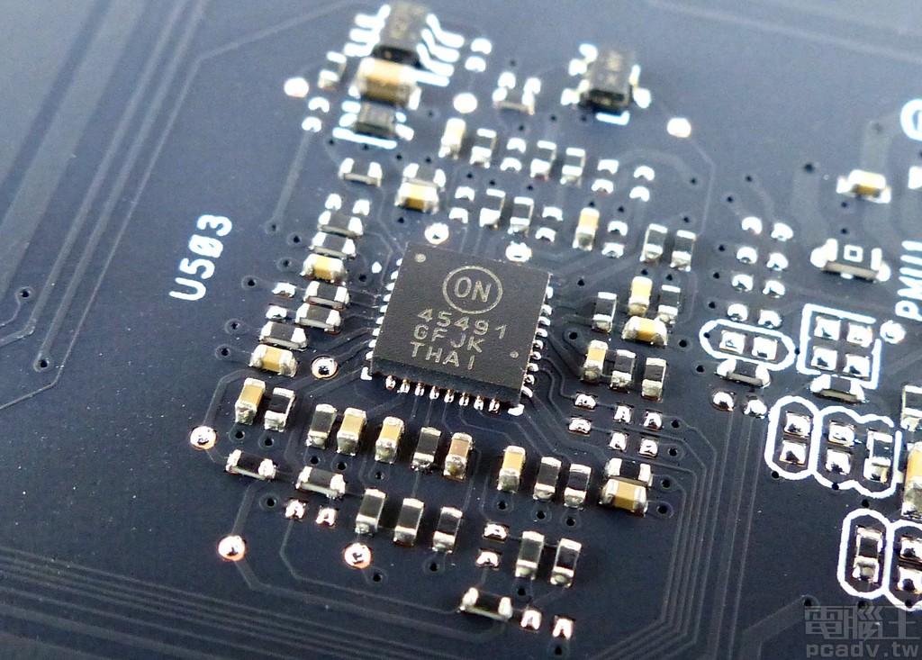 顯示卡消耗功率計算由 ON Semiconductor NCP45491 4 通道分流器偵測晶片負責