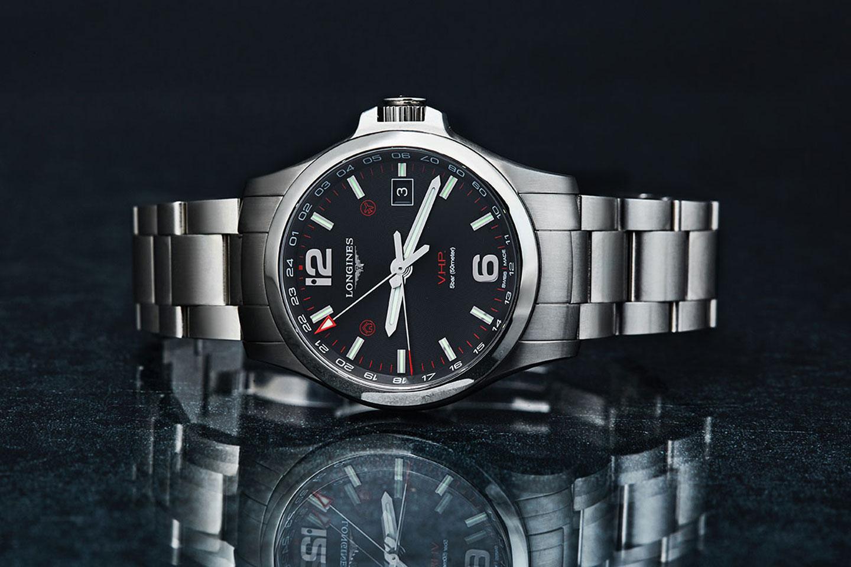 科技與腕錶工藝的巧妙結合!Longines 浪琴表征服者系列 V.H.P. 兩地時區閃光設定石英腕錶動手玩