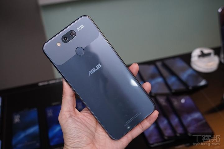 這些是華碩開發的 ZenFone 6 雛型,滑蓋螢幕、伸縮鏡�、橢圓機身