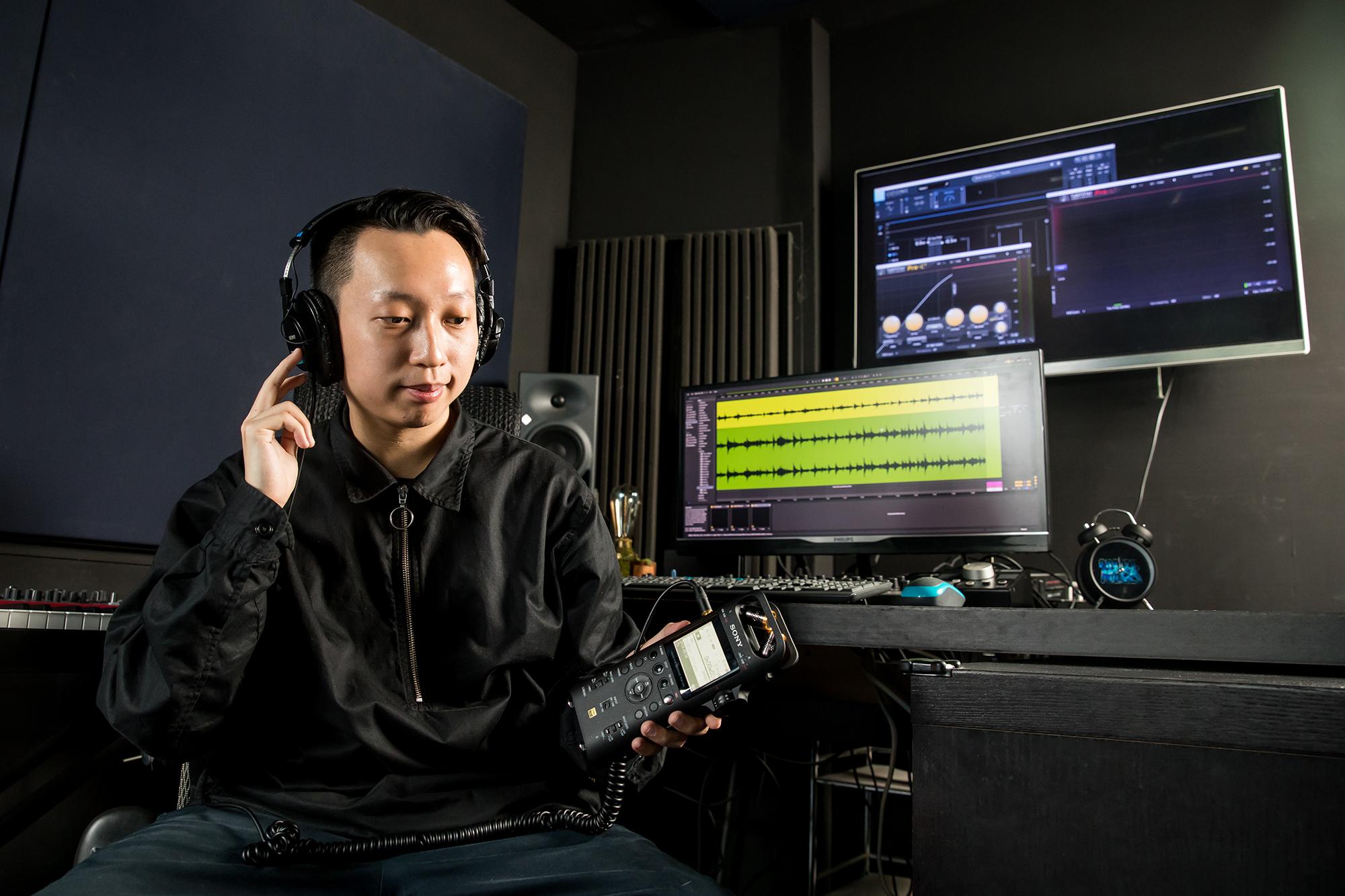 Sony PCM-D10專�立體聲錄音器還支援48V幻象電源,可外接各種動圈式與電容式麥克風,耳機也能隨插即用,讓音樂人能即時掌握錄音品質。