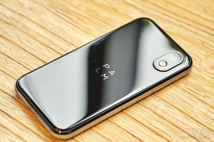 超小手機 Palm Phone 動眼看,3.3 吋螢幕、預計最快九月在台灣上市