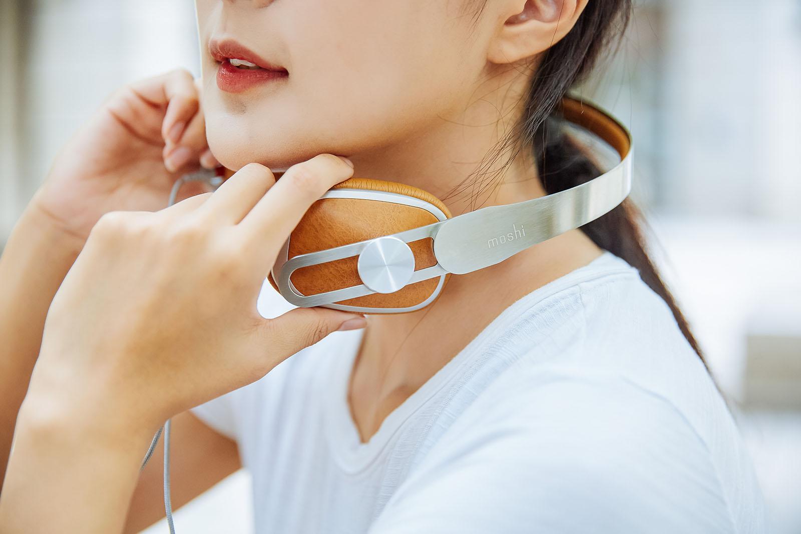 耳罩的角度可依個人偏好彈性調整,只要輕輕左右轉動,就能找到最舒適的狀態享受音樂。