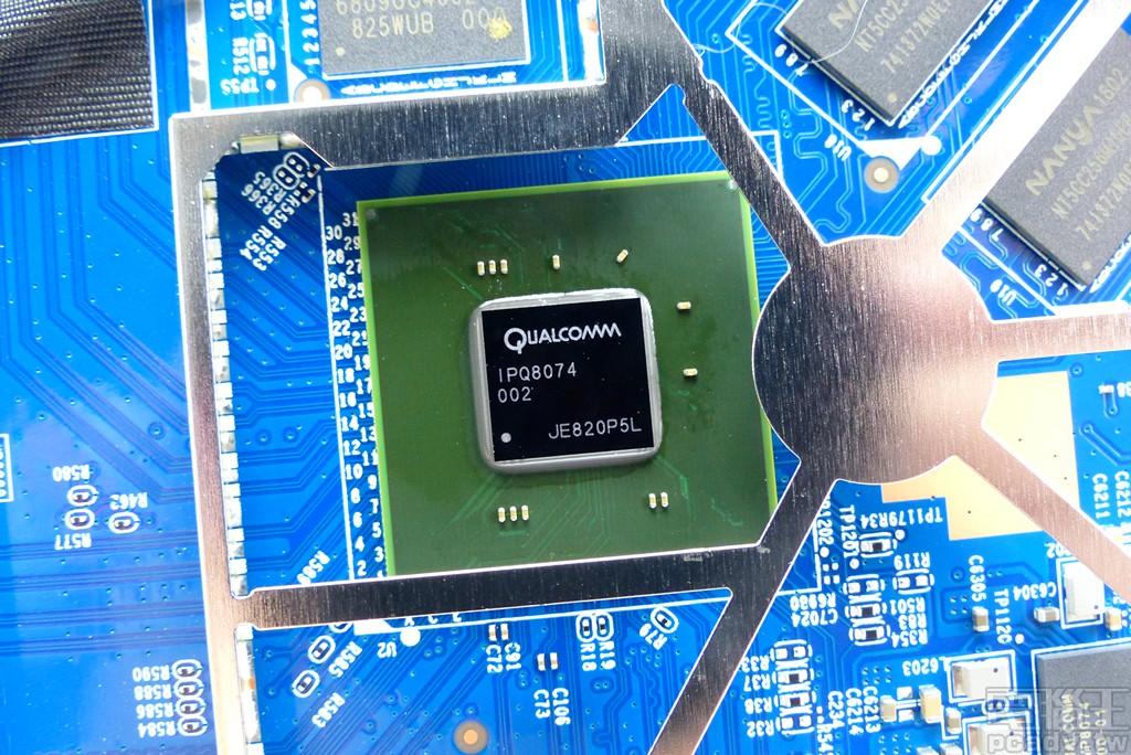 Netgear Nighthawk AX12 RAX120 導入5Gbps 有線網路!Qualcomm Wi-Fi 6