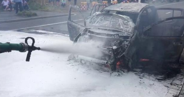 �國製電動車頻頻起火,四成以上起火時處於行駛狀態