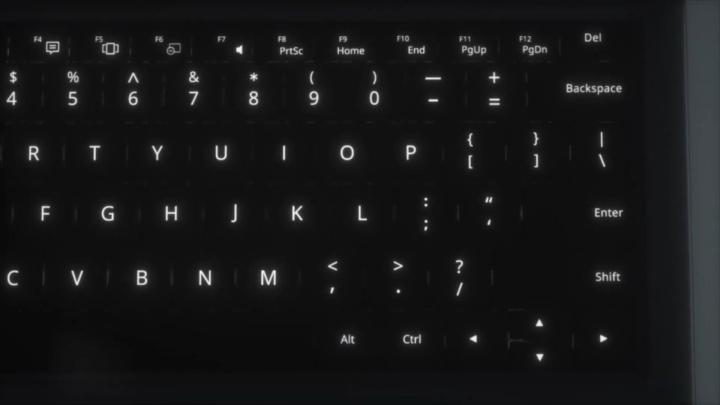 UBook具有專屬實體鍵盤保�蓋,並具背光功能。