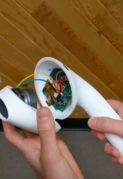 網友真的做出吹風機版AirPods,功能齊全真能聽音樂