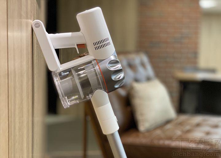 追覓 V9P 無線吸塵器:6,000 元有找的白色簡約風,功能與潔淨力不馬虎