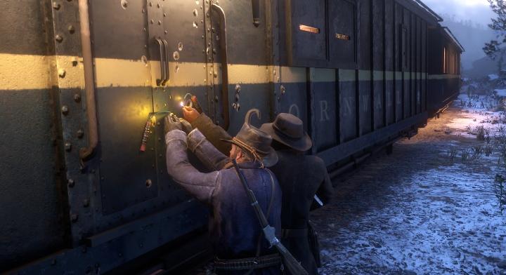 要怎麼炸開火車門?用火柴點燃炸彈就對了。