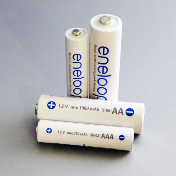 鎳氫電池,但這不是手機用的鎳氫電池。圖/Wikipedia