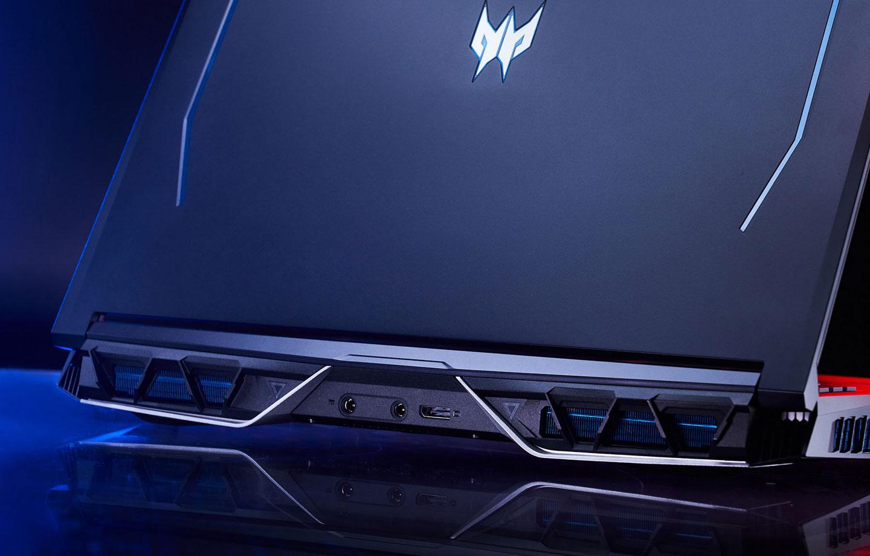 機身後側可的散熱孔在設計上頗具巧思,獨特的幾何風格手法讓筆電多了不少視覺亮點。
