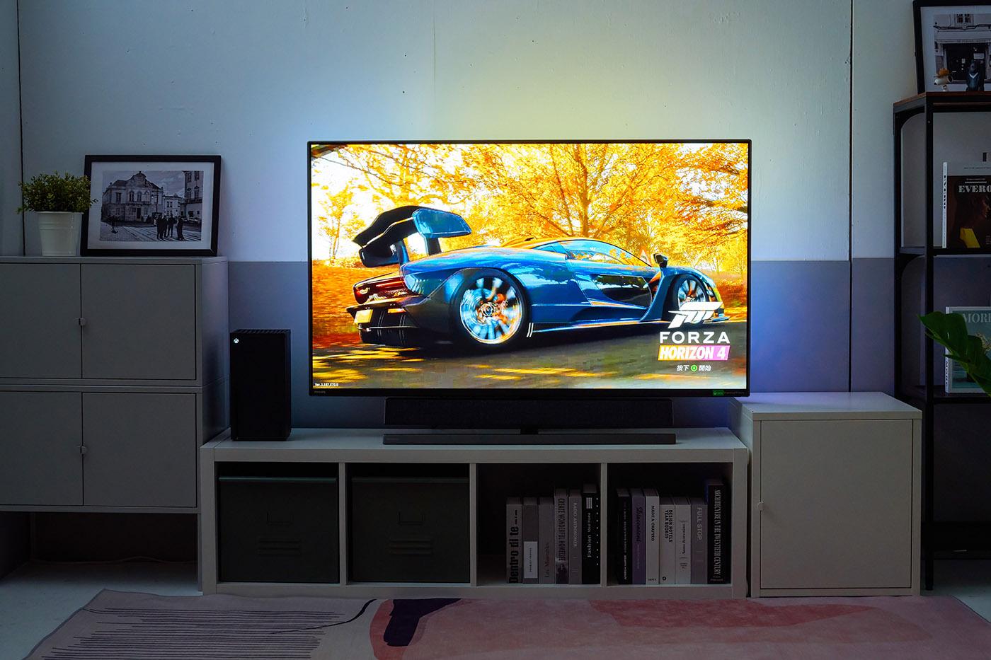 更深一層檢視的要點,就是顏色的表現,因為新世代遊戲機的畫面表現力更強,在色彩方面,不僅顏色豐富,各種物件在光影下的色階變化,也更為細膩,透過擁有更高螢幕亮度以及更大動態範圍表現,取得Display HDR 1000 認證的559M1RYV 顯示,效果當然更加逼真。