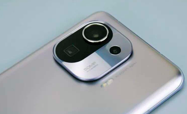 12年過去後,為什麼旗艦手機還在用1200萬畫素