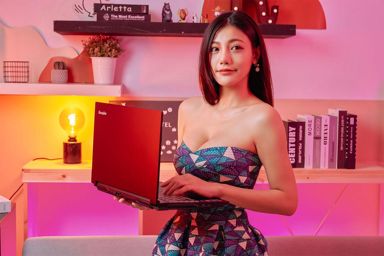 Genuine 捷元 ZEUS 15H 換上新世代的 Intel H45 平台與 NVIDIA GeForce 30 系列筆記型電腦 GPU,在效能方面大升級且價格同樣平易近人。