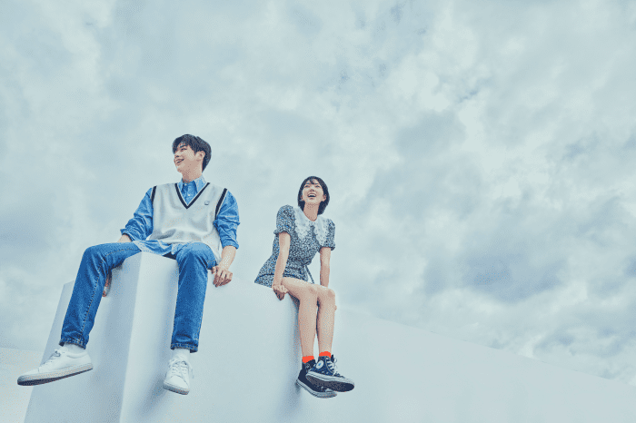 《�校菜鳥》(Rookies)是一部以青少年成長為主題,故事背景�定在韓國精英�察�院的愛情劇,由韓國流行偶像姜丹尼爾演出的戲劇處女作,將在 2022 年上架。